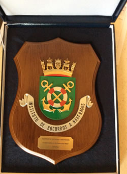 Shield memento presented to Cath