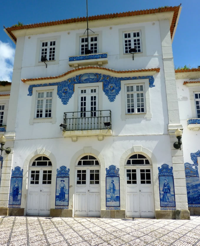 One of the main attractions in Aveiro is its old railway station