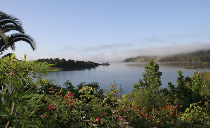 The view over the lake from Quinta do Barranco