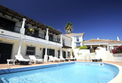 Duncan's luxurious Algarve retreat, to rent from £502 per night