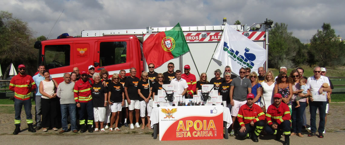 Balaia Bowls Club donate €10,000 to Albufeira Firefighters
