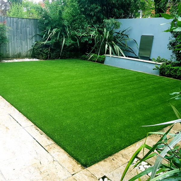 Gardening in Heat: Can you lay artificial grass directly on soil and concrete?