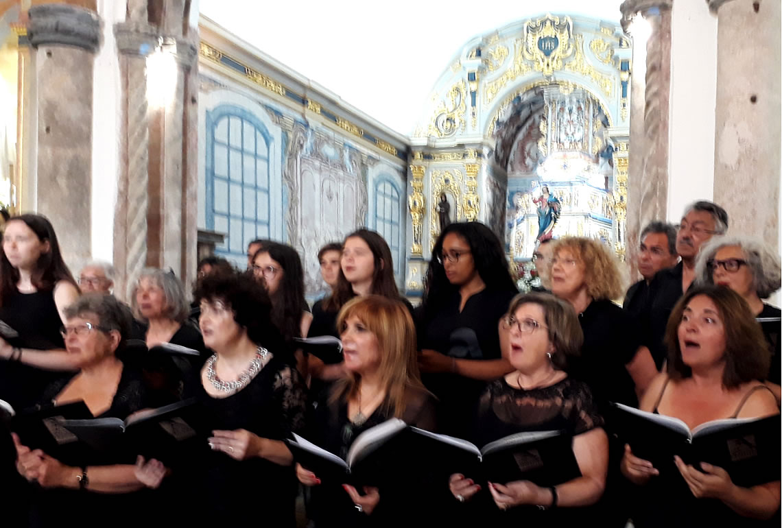 Alvor Choir Fills Church