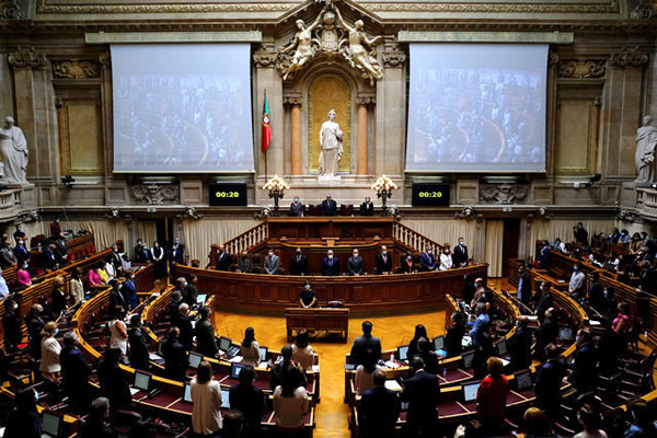 Dr Photo - PARLIAMENT VOTES 15TH STATE OF EMERGENCY