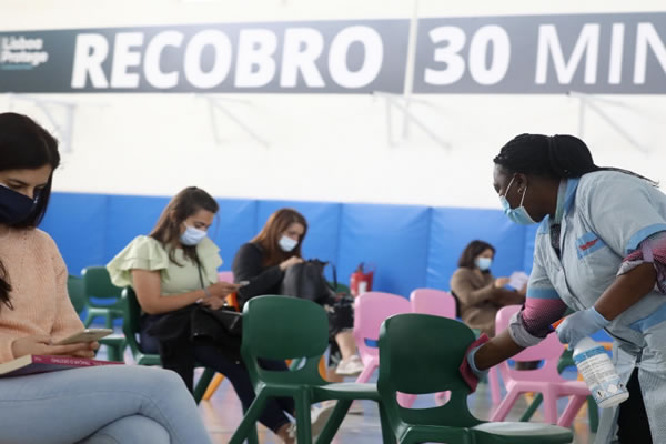 Dr Photo - PORTUGAL HAS SUFFERED NO DEATHS DUE TO THE COVID-19 VACCINE