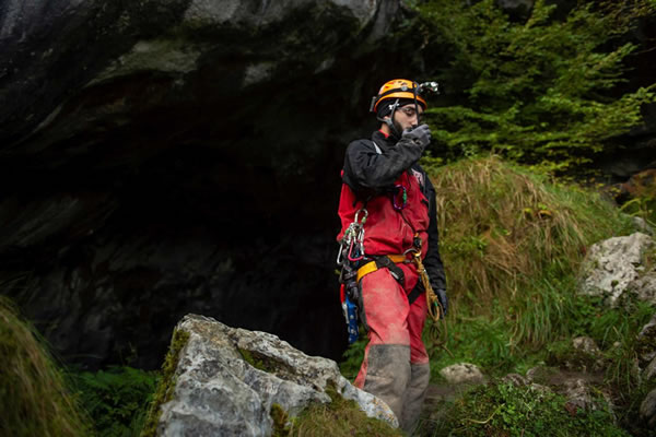 Four Portuguese cavers escape from Spanish cave in good spirits