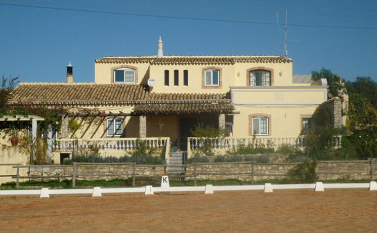 4 Bedroom Villa in Loule For Sale- € 750,000