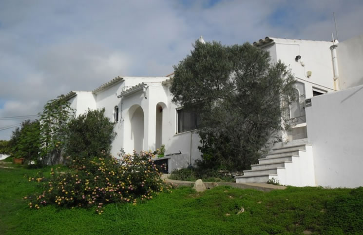 3 Bedroom Villa in Tavira For Sale - € 285,000