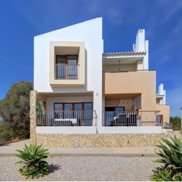 Contemporary Townhouse With Expansive Views for sale in Alvor, Algarve