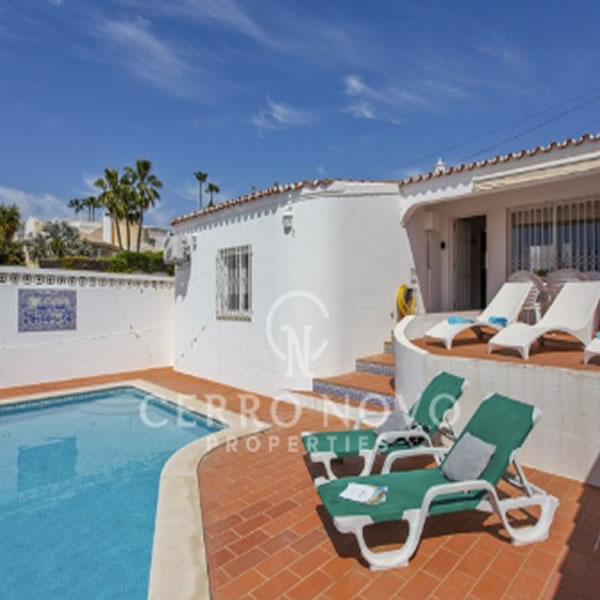 A lovely bungalow with private pool in favoured Cerro Grande, Albufeira